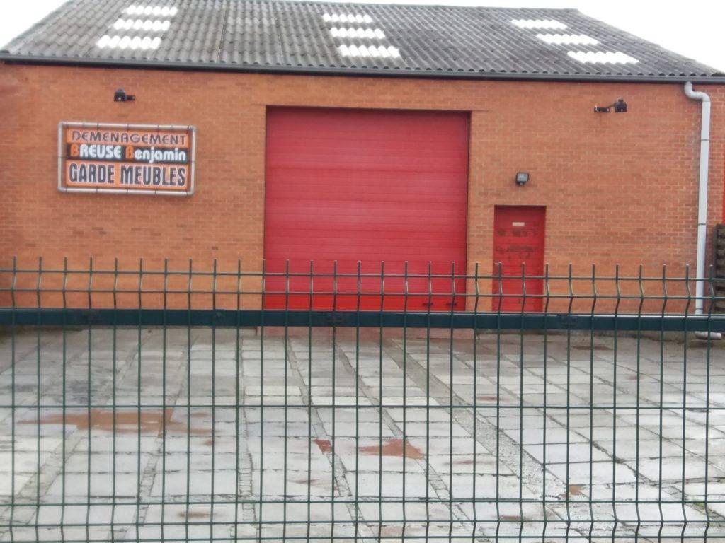 Entrepôt garde meubles situé à Andenne - Déménagement Breuse