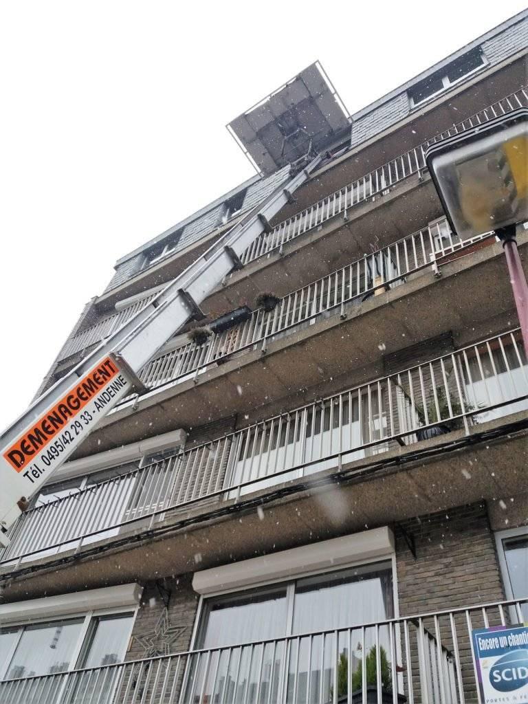 Lift au 7ième septième étage Huy - Breuse déménagement